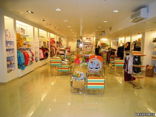 Дизайн детского магазина одежды